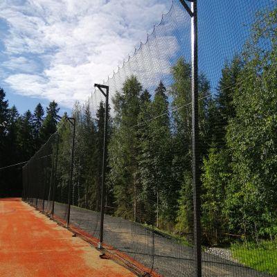 Verkkoaita Neulamäen urheilukentällä